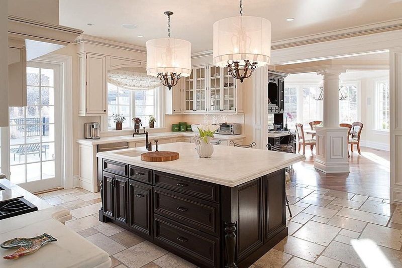 Kitchen Island with 3 Light Chandelier Polished Chrome