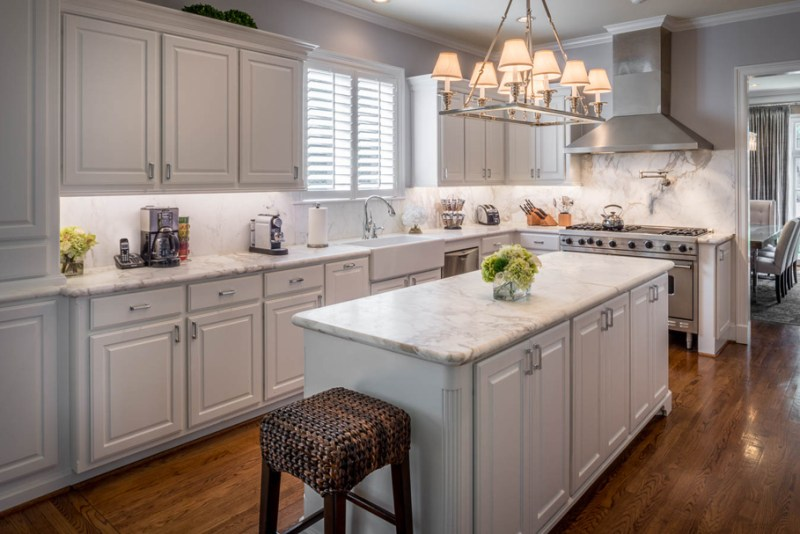 200 beautiful white kitchen design ideas that never goes out of style part 5. Black Bedroom Furniture Sets. Home Design Ideas