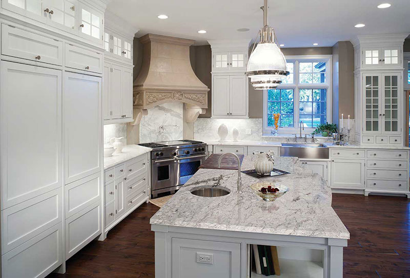 Etonnant White Kitchen With River White Granite Countertops