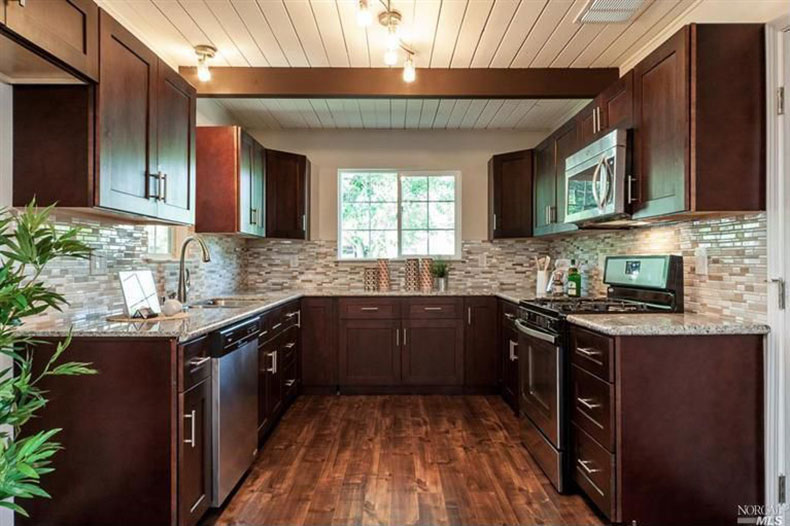 making kitchen cabinets king bianco antico granite countertops (pictures, cost, pros ...