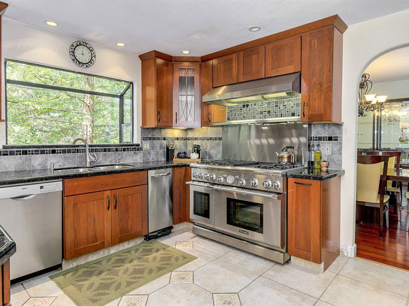 Craftsman kitchen with black pearl granite countertops