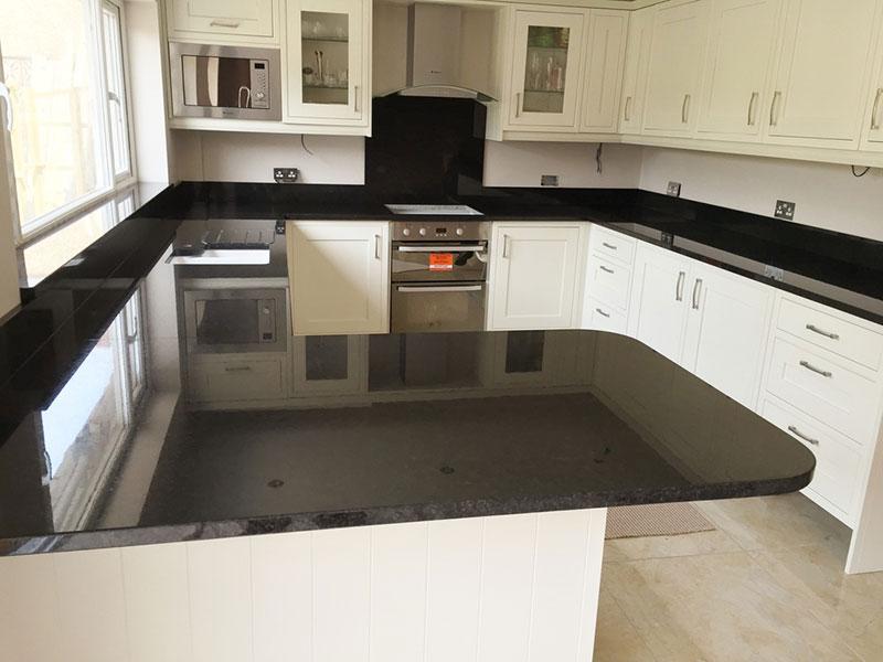Kitchen Backsplash For Black Granite Countertops And White Cabinets -  LiberalX