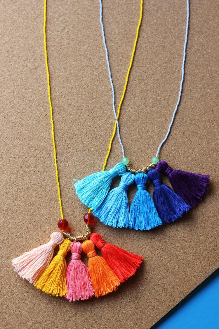 crafts for kids with paper, easy DIY craft ideas for kids, easy paper crafts for kids, DIY craft ideas diy-tassel-necklace-18