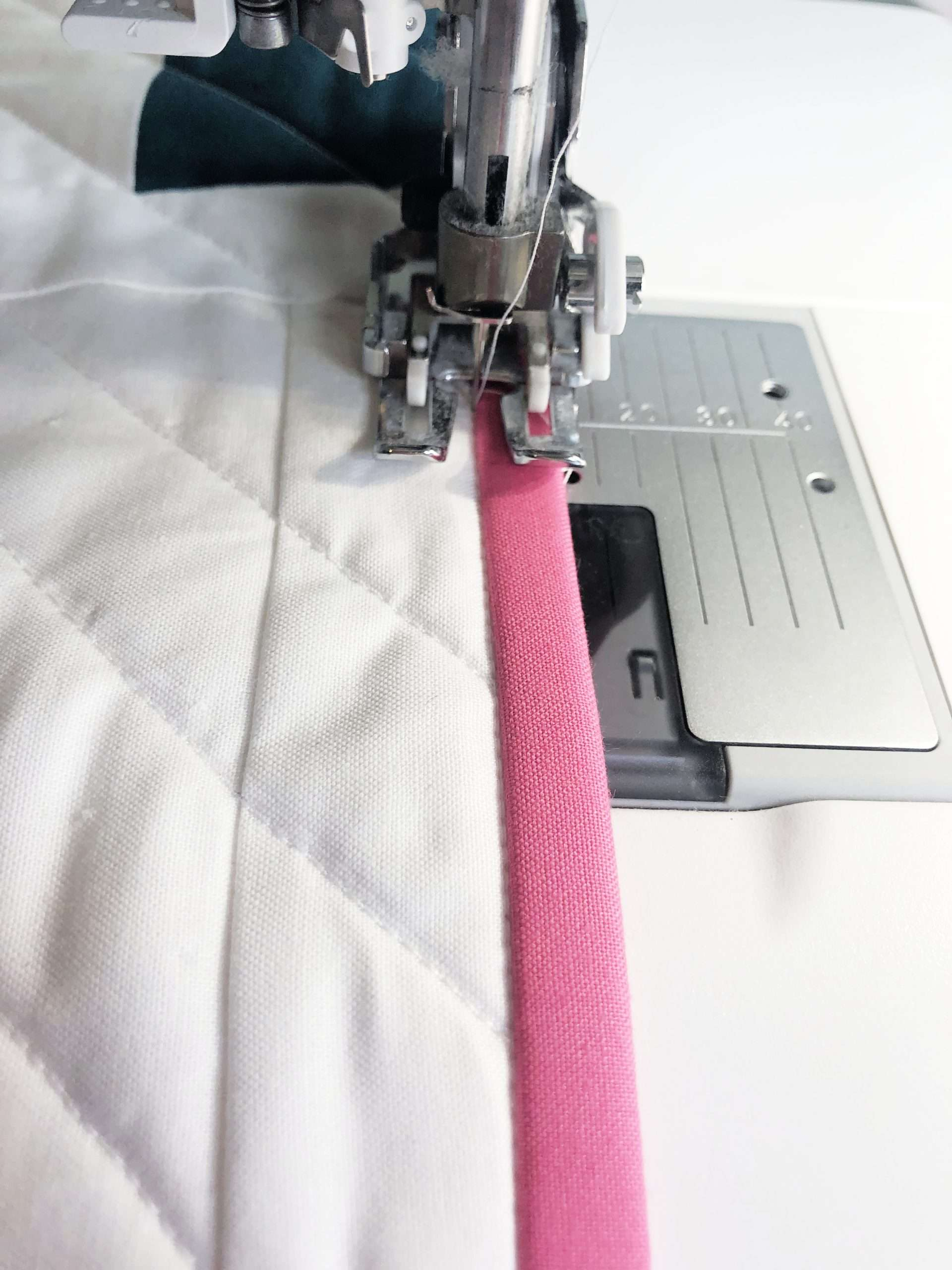 Quilt Binding by machine stitch in ditch