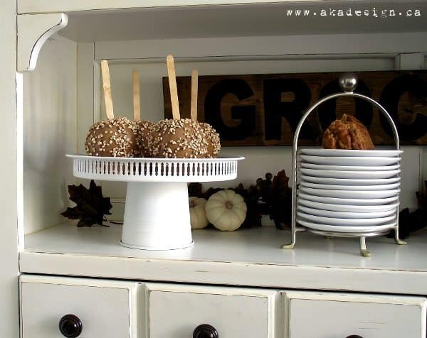 Simple DIY Cake Stand