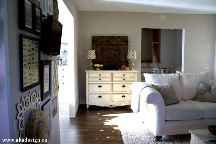 living room buffet sun