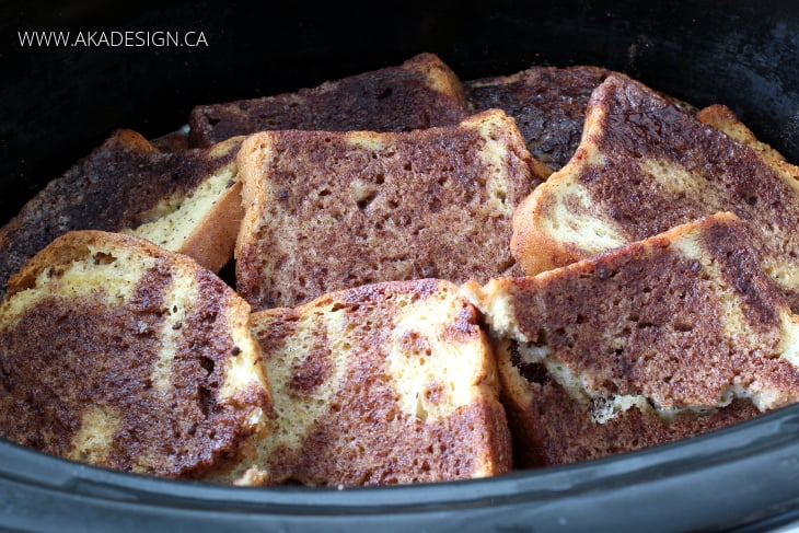 SLOW COOKER FRENCH TOAST IN CROCKPOT