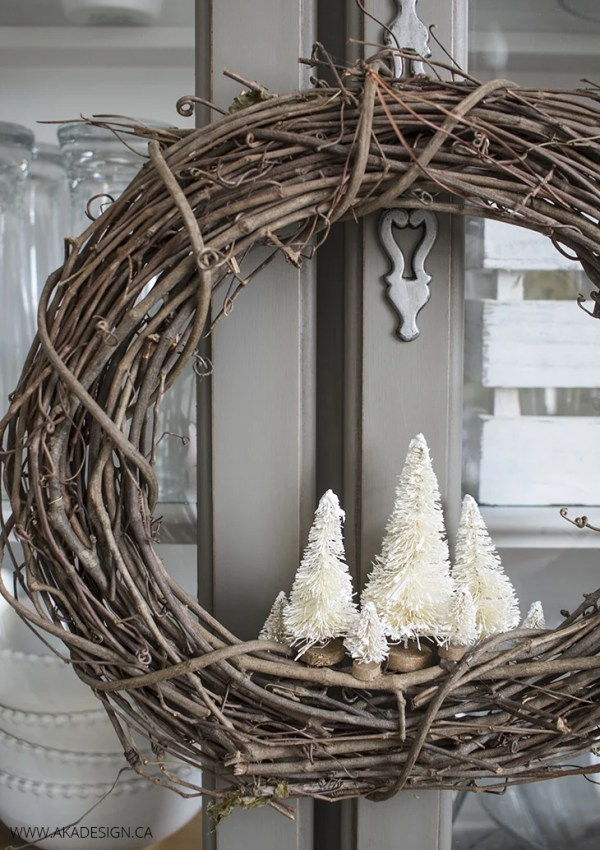 How to Make a Simple DIY Christmas Wreath with Bottle Brush Trees
