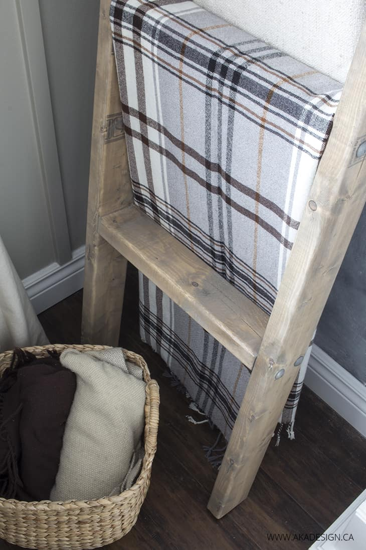 Diy Blanket Ladder Made With 2 X 4s