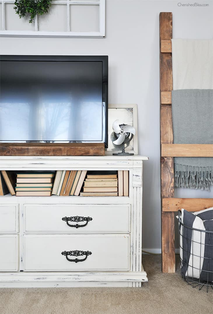 Tips for Decorating Around a TV