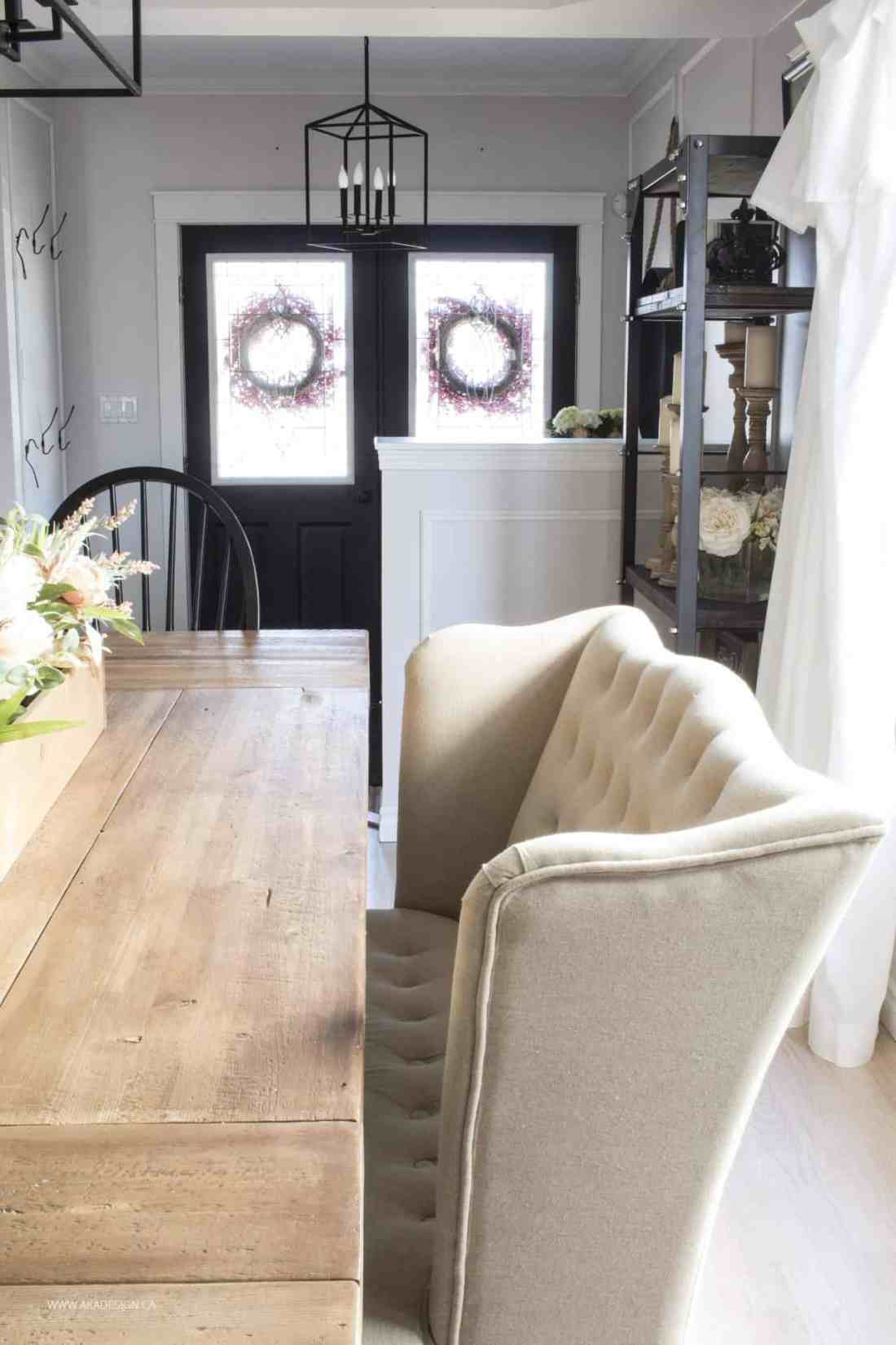 Dining room to entry neutral