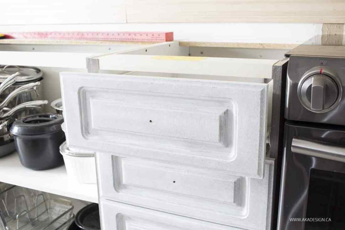 Zinsser BIN 2 primer on kitchen drawers