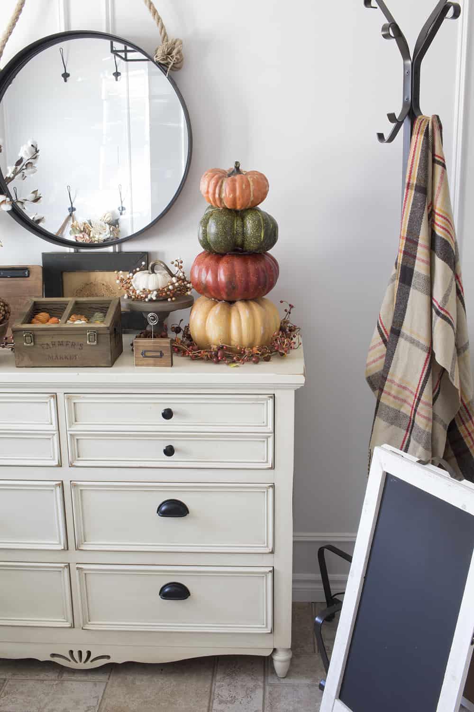 farmhouse style fall decor
