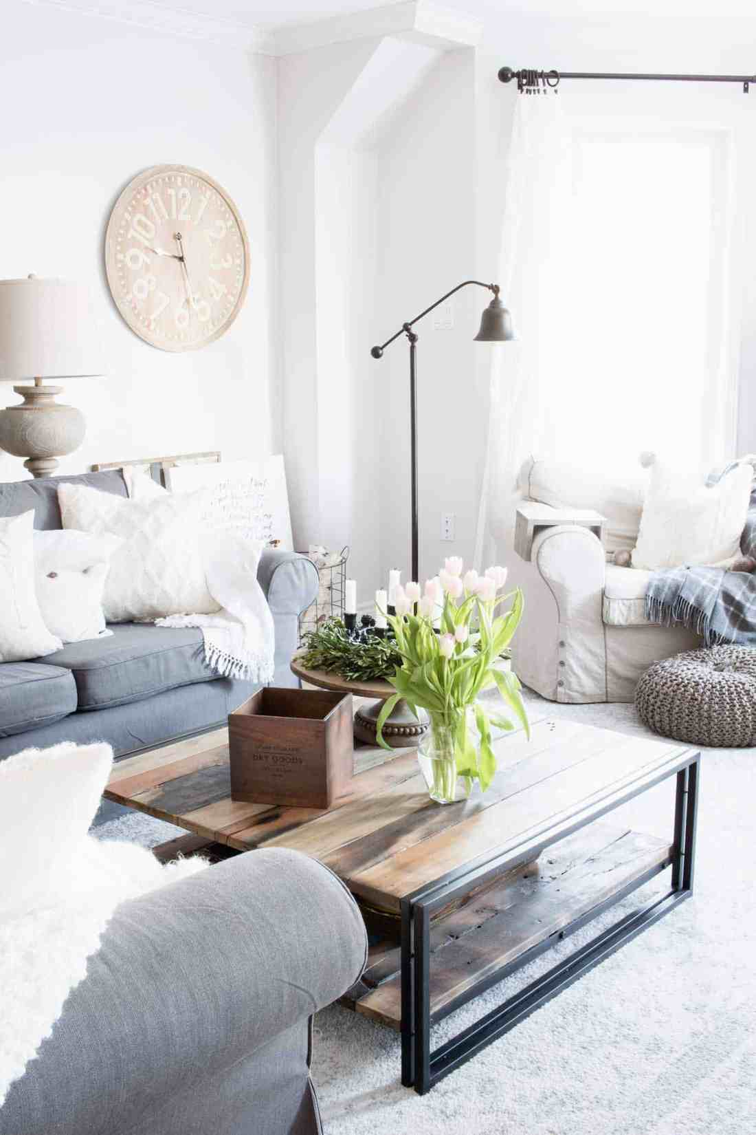 grey-sectional-with-cream-decor