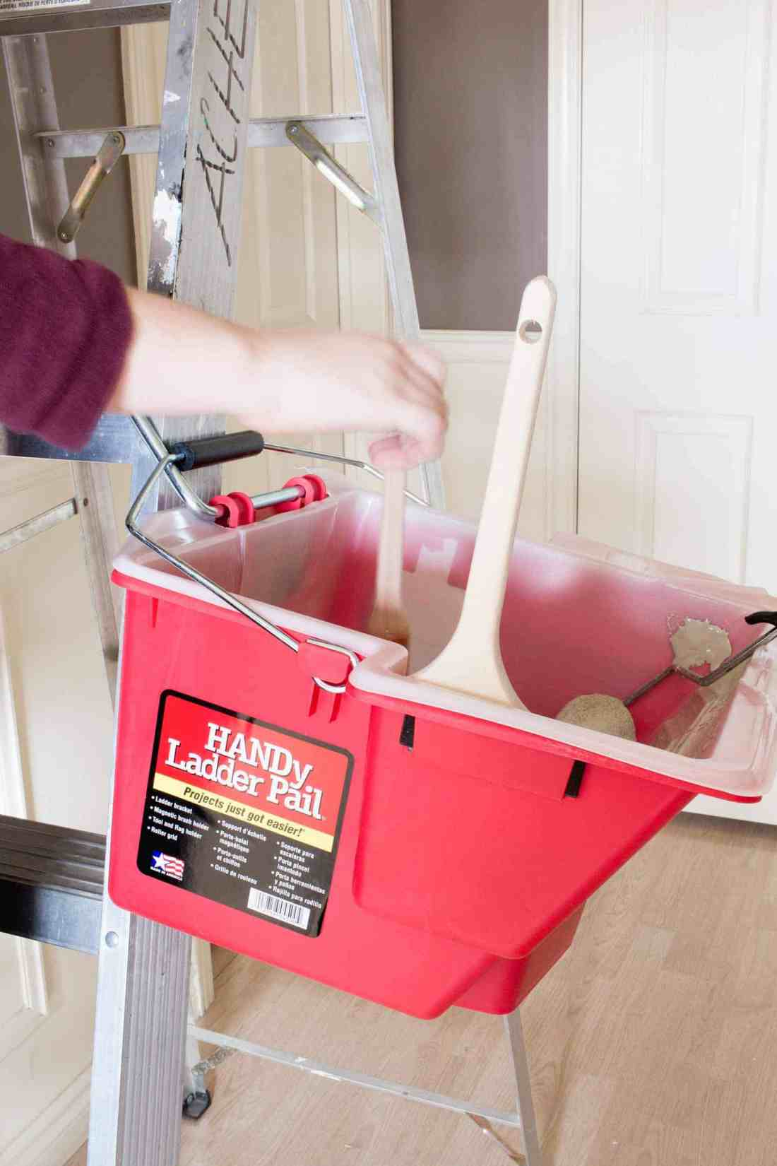 HANDy Paint Ladder Pail!