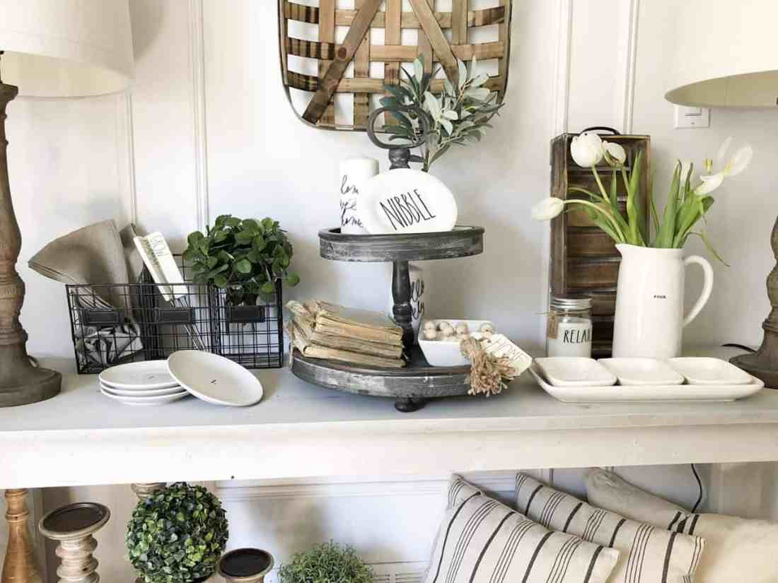neutral summer vignettes farmhouse style