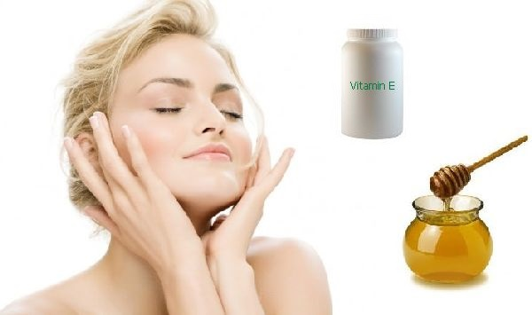 Mask with Vitamin E and Honey for Dark Circles