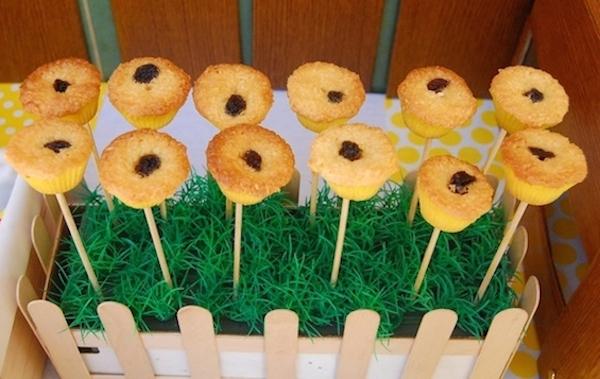 Homemade Parties_DIY Party_Bee Party_Elijah02