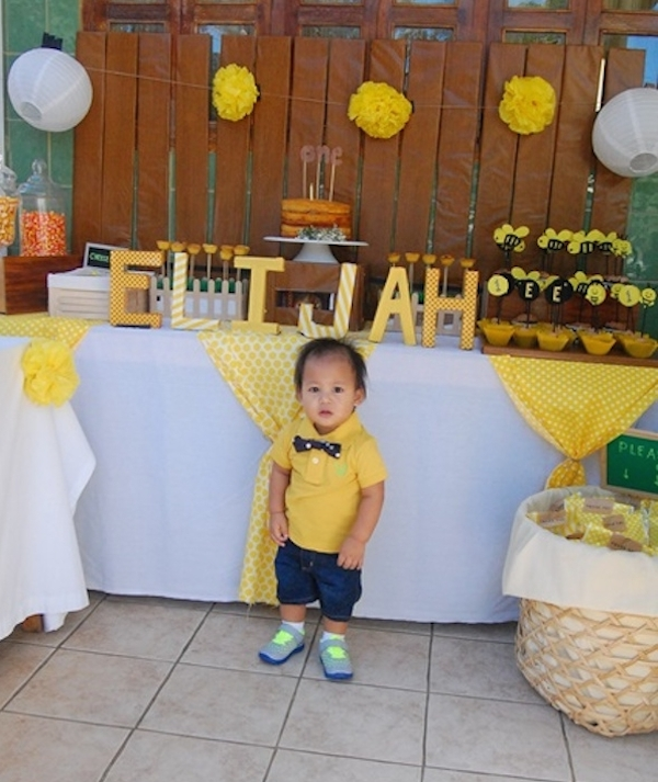 Homemade Parties_DIY Party_Bee Party_Elijah06