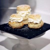 Croissantsemla, med min godaste fyllning av vanilj, mandelmassa och likör!