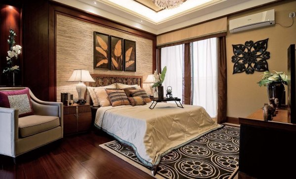traditional style master bedroom How To Make Your Bedroom Feel More Romantic - HomeMajestic