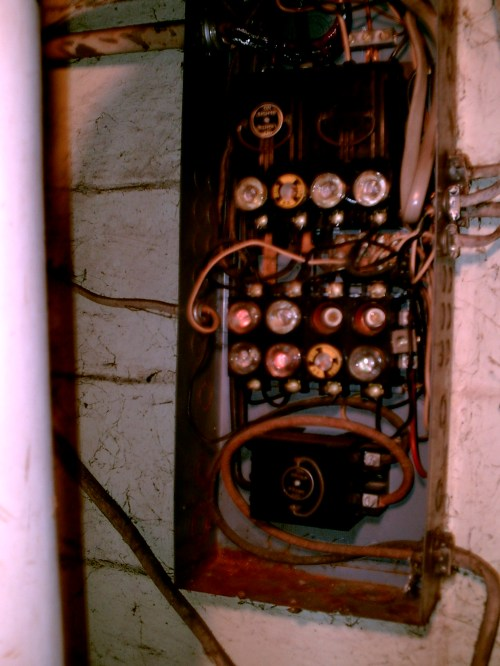 small resolution of when we bought the house it had the old electrical fuse box the above pictures