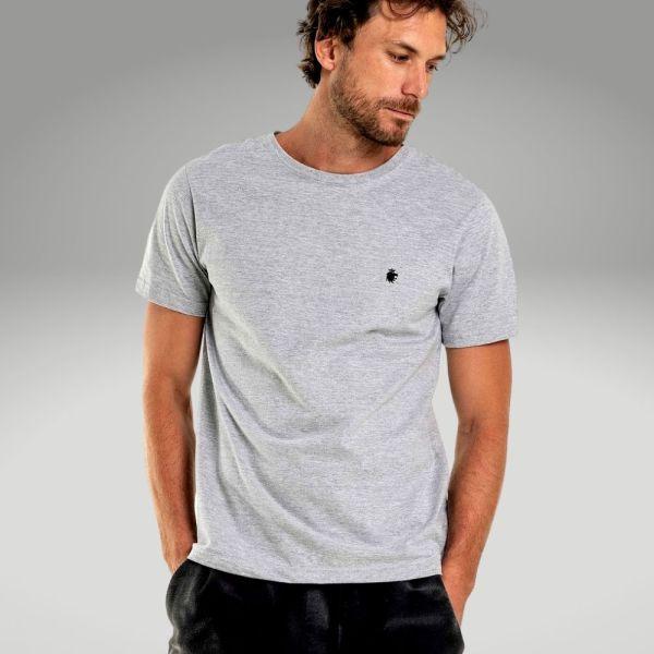 Peças básicas do guarda-roupa masculino - camiseta básica - Único