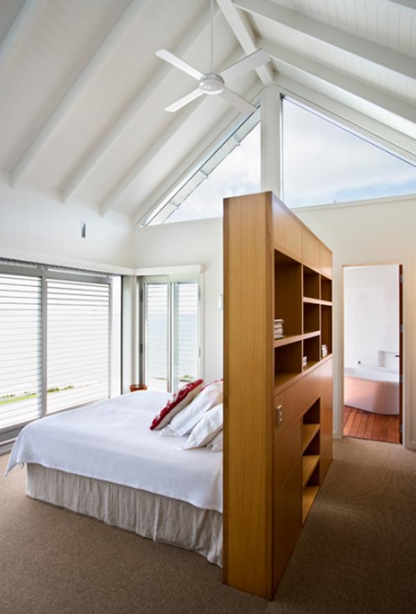 australianbeachhousewithbedroominteriordesign