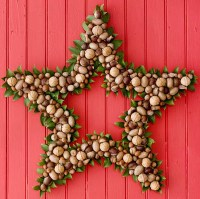 colorful-star-christmas-wreaths-for-door-decorations
