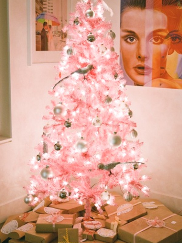 beautifulpinkchristmastreedecorating