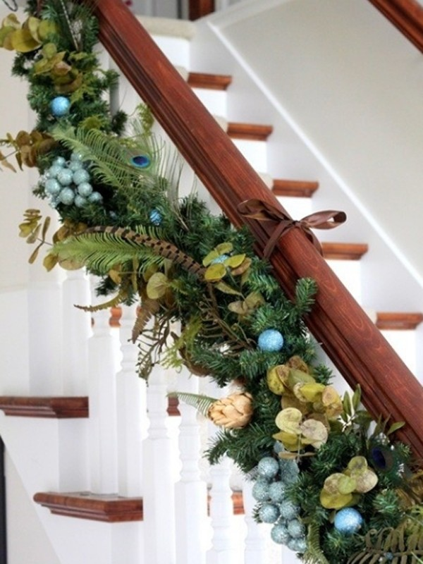 beautifulchristmasstairdecorations