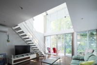 cool-japanese-loft-with-tv-furniture