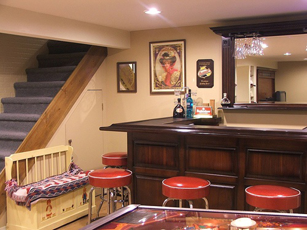 Inspiring-basement-ideas-with-bar