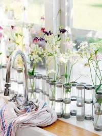 flower-decor-in-window-kitchen
