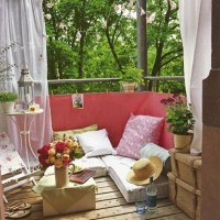 small-boho-chic-balcony-decor