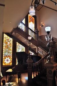 gothic-staircase-decor