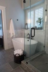 25 Stylish Small Bathroom Styles