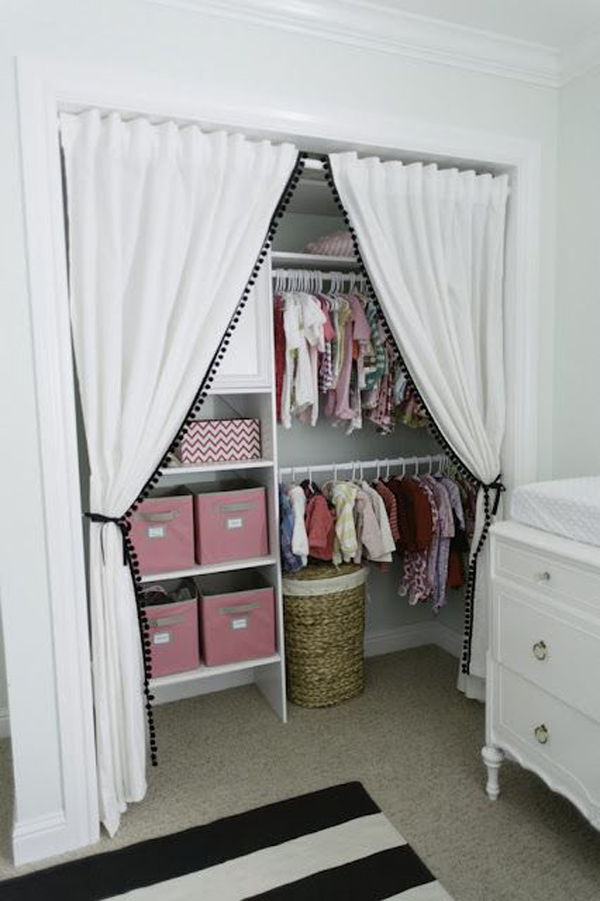 You might be left wondering where to put all of your belongings or how to make the space livable. diy-kids-closet-organization-ideas   HomeMydesign