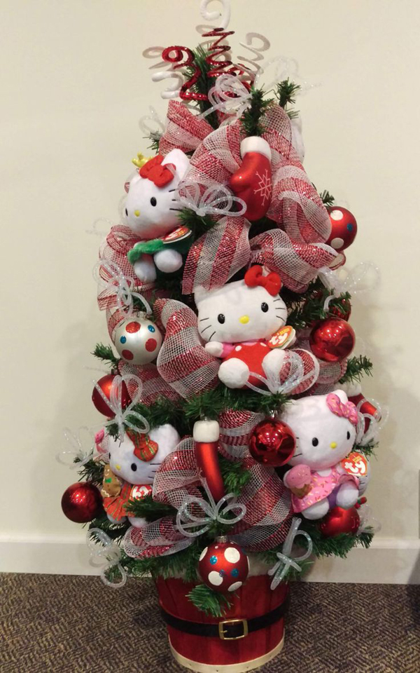 20 Pretty Christmas Decor With Hello Kitty Theme  Home