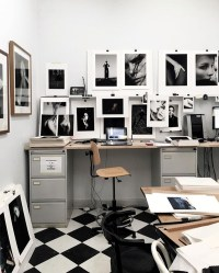modern-office-photo-frame