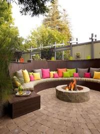 colorful-backyard-firepit-ideas