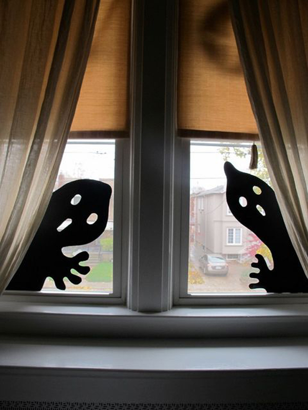 25 Scary DIY Halloween Window Silhouettes