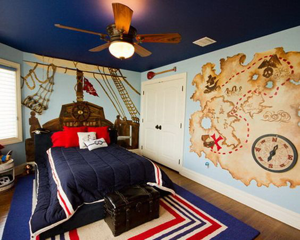 boys-pirate-bedroom-with-maps-wall