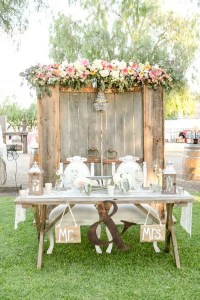 vintage-rustic-wedding-table-decoration