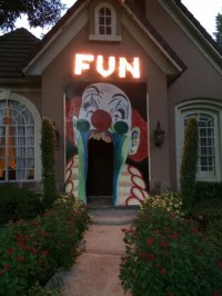 20 Cool And Scary Clown Halloween Decorations | Home ...