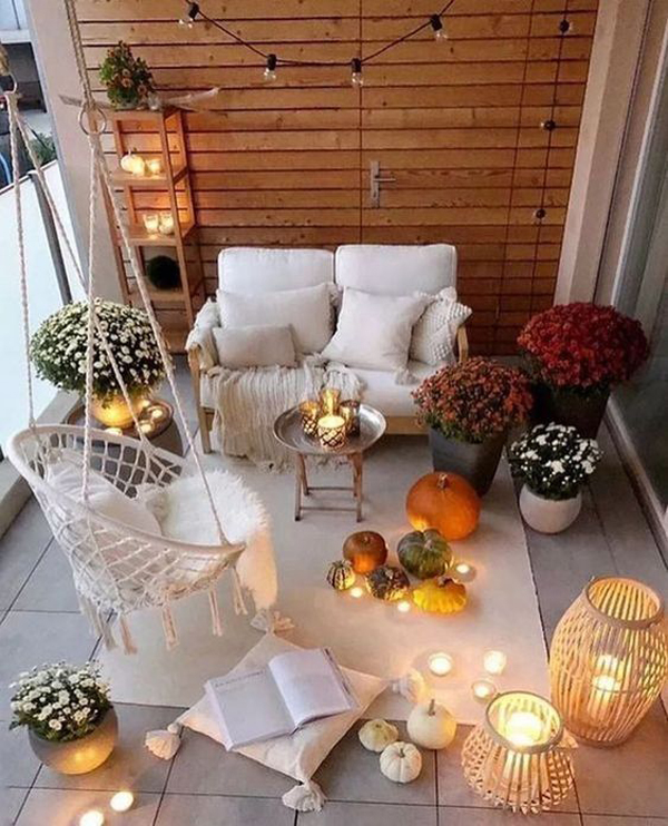 25 Awesome Apartment Balcony Ideas For This Halloween Homemydesign