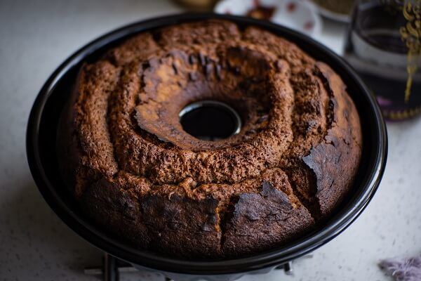 How to Remove Cake from Pan without Breaking