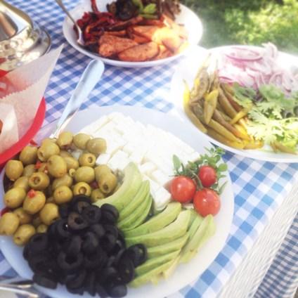 garnitures sandwich olives feta avocat piments oignons rouges coriandre legumes au four