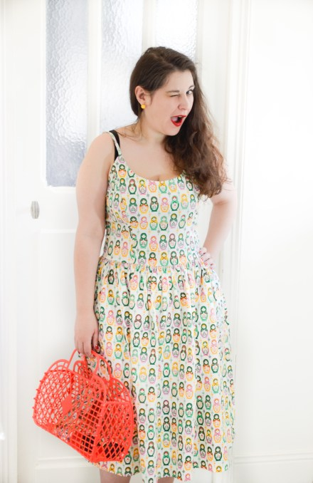 robe retro pinup poupées russes Tatyana 50s Matryoshka Nesting Dolls Swing Dress sunjellies red basket top vintage wink