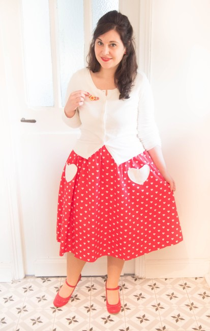 Bernadette-Red-Heart-Print-Swing-Skirt-jupe-coeur-noel-lindy-bop